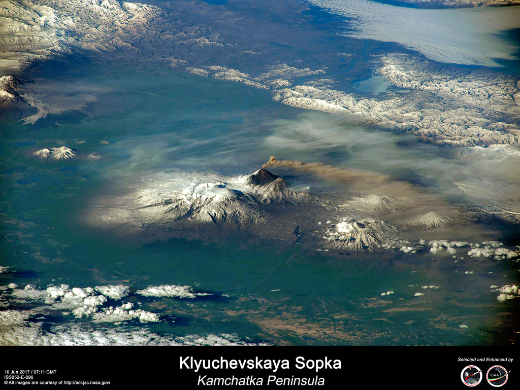 Global Volcanism Program Klyuchevskoy Lifeproof Ipad Air Fre Case 1907 02 Glacier